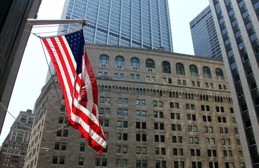 Amerikansk flagg ved sentralbanken i New York