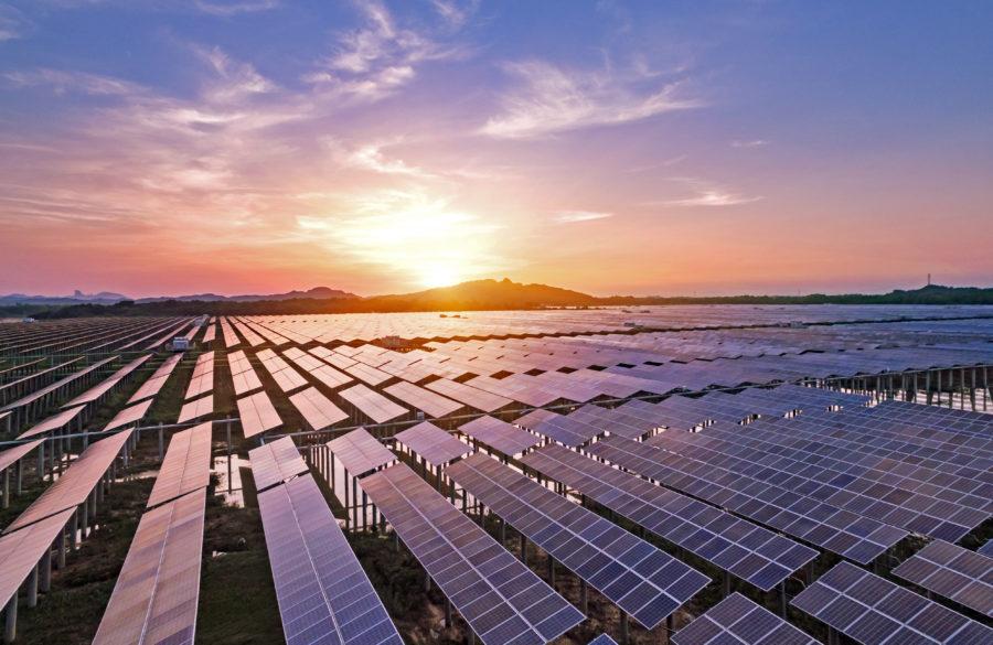 Illustrasjonsbilde av solcelleanlegg